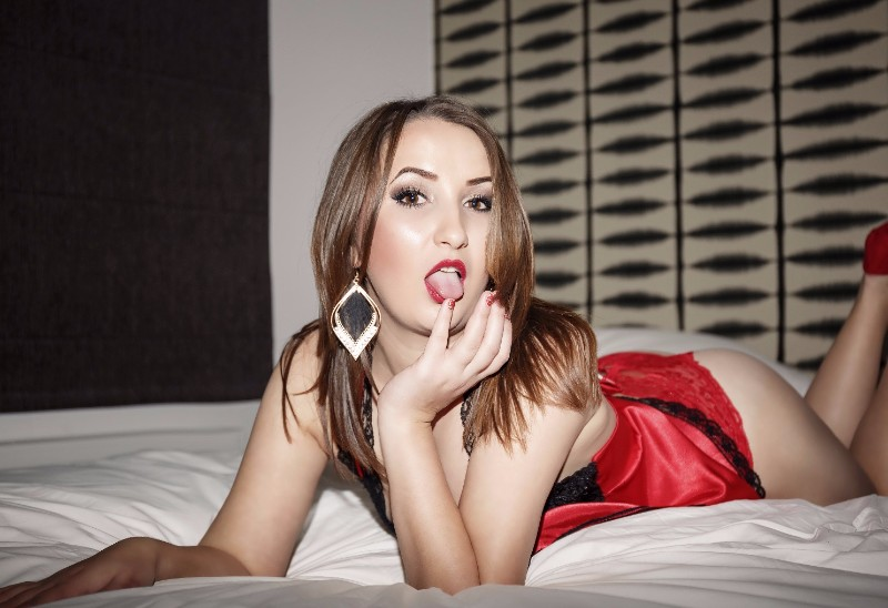 ESCORT-Julia, sublime fille de l'est