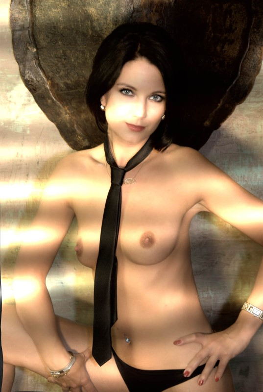PRIVE-MASSAGES-Lilith - Sauvage, f�line, discr�te et distingu�e...