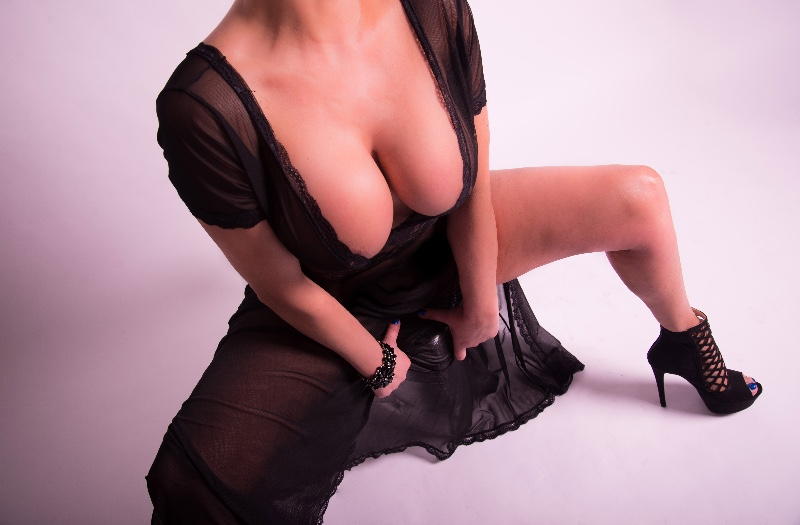 PRIVE-MASSAGES-Lara BDSM et f�tichisme